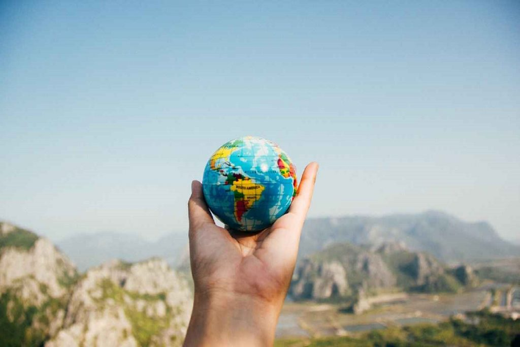 Ultimate Guide To Traveling When You Have No Money